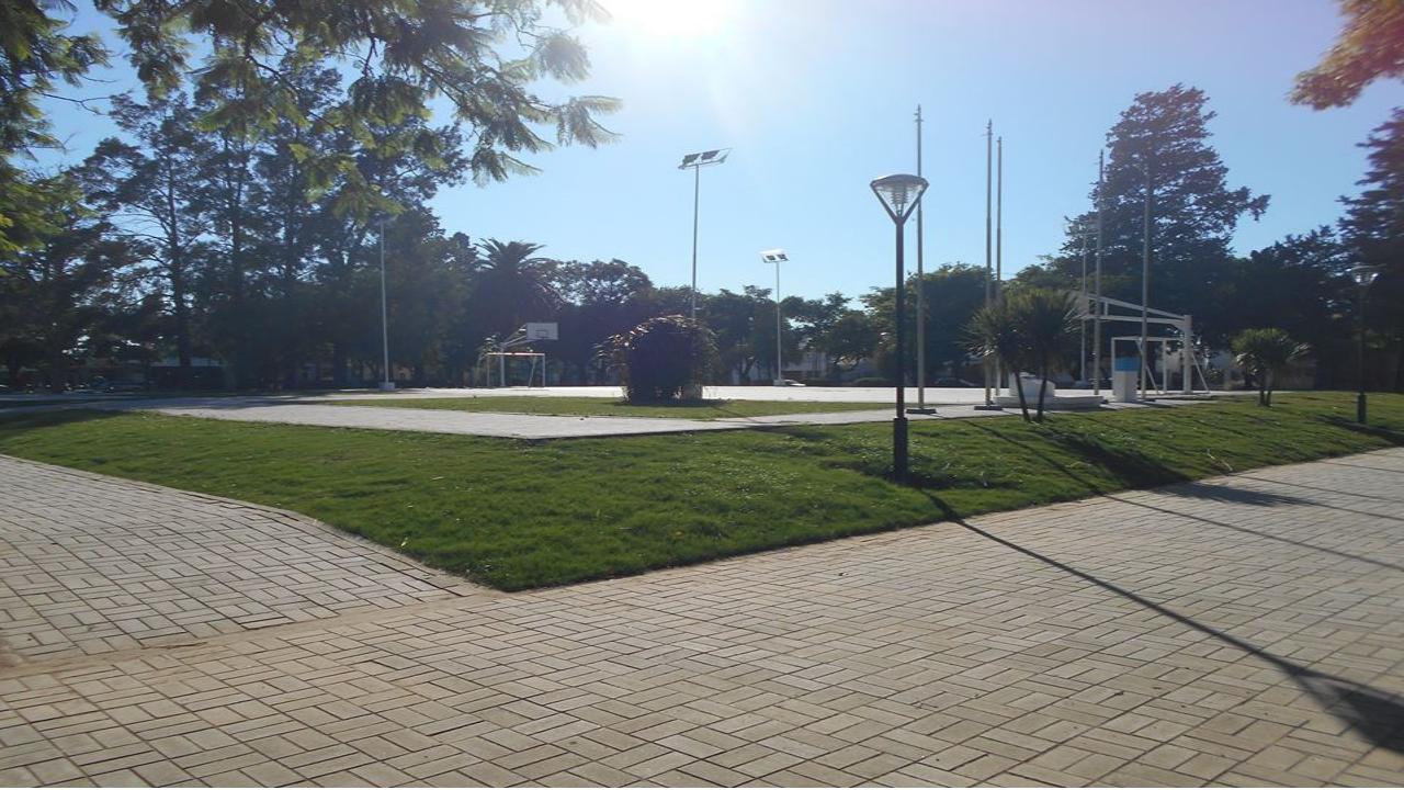 Frases del monumento final de plaza Independencia
