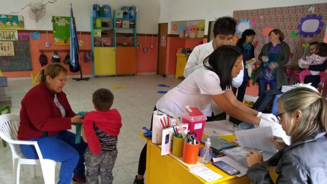 Campaña de seguimiento de vacunación contra la rubéola y el sarampión