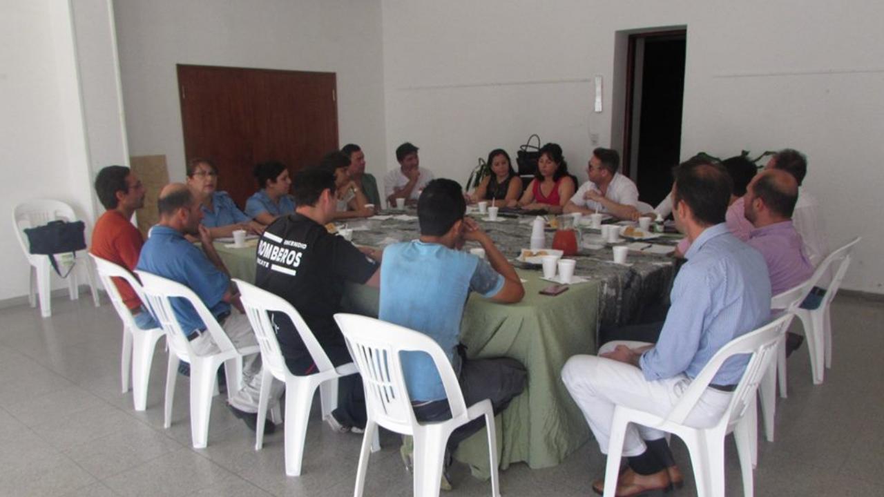 comisión con representantes de instituciones vivas de la ciudad