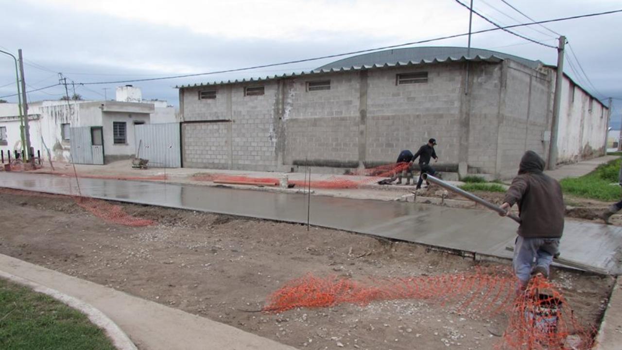 Pavimento en calle Mendoza