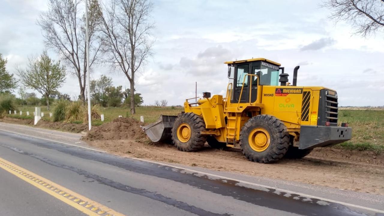 Limpieza y mantenimiento sobre Ruta Nacional 9 - Acceso Sur