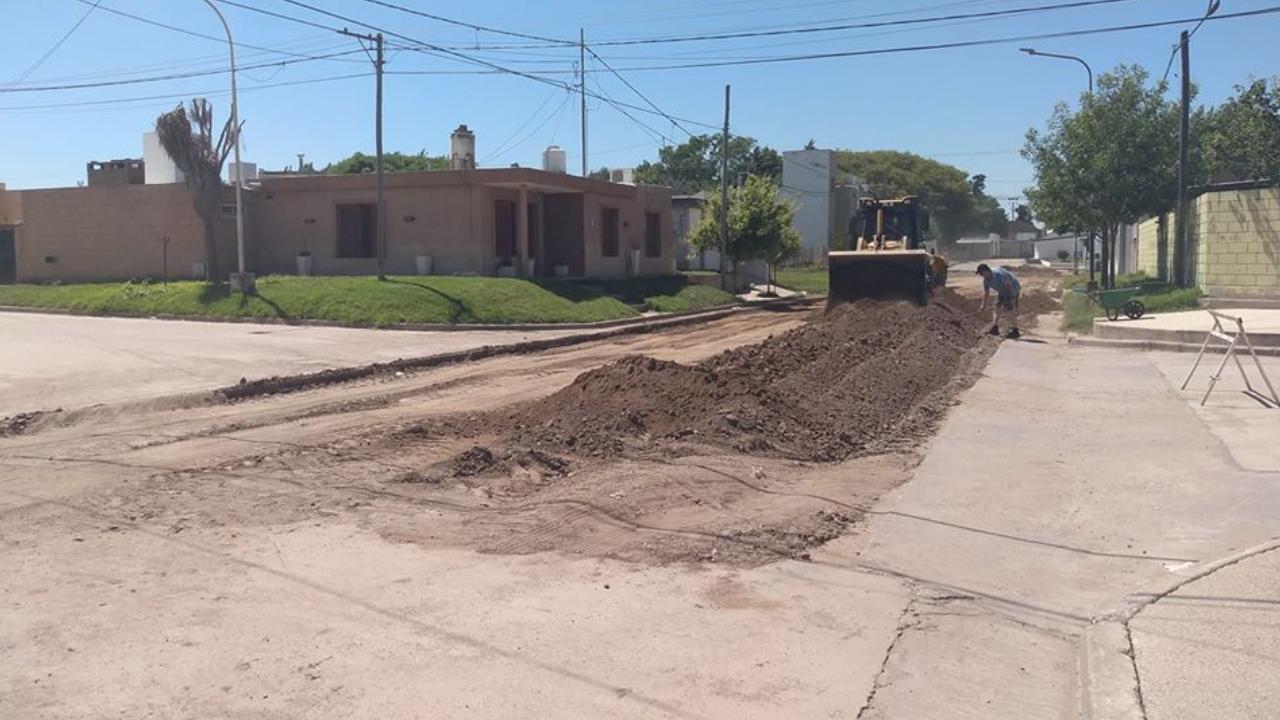4 cuadras de pavimento sobre el cierre de la gestión de Oscar Tamis