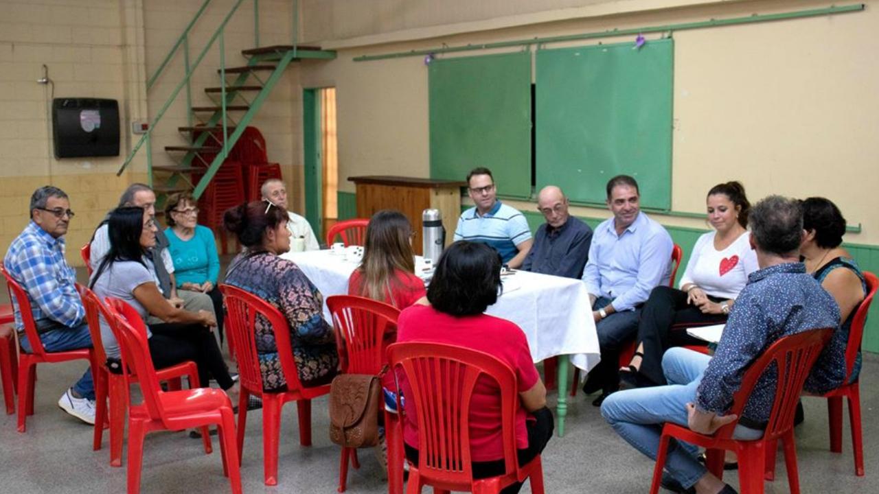 Reunión con Directivos del Centro Vecinal Medalla Milagrosa
